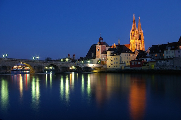 regensburg-85883_960_720