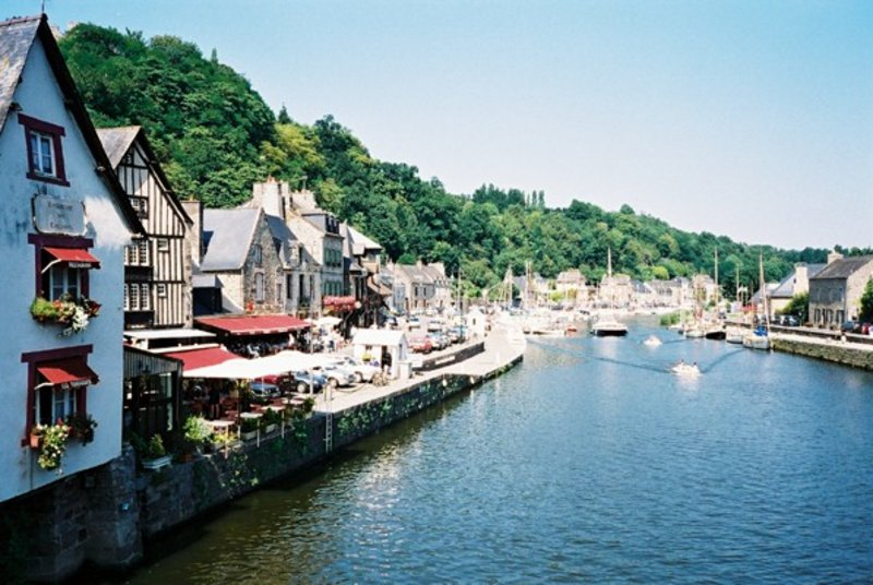 Car hire in dinan france